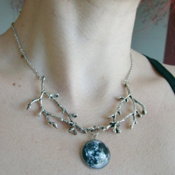 HP! NWT Goth Stormy Sky Necklace & Earrings Set!